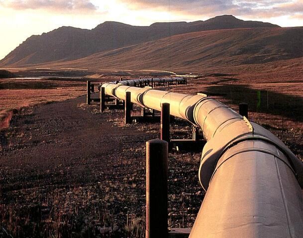 File:Oil-pipeline.jpg