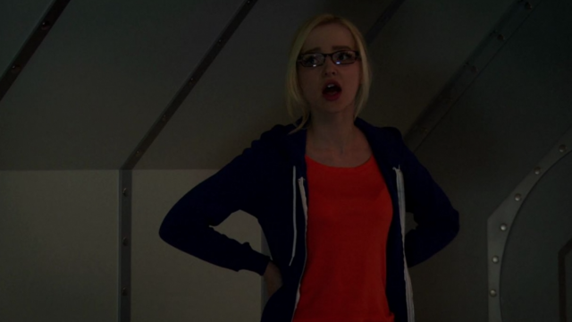 File:Maddie in the Tunnels (4x05).png