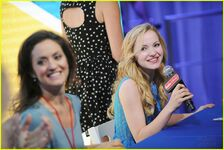 Dove-cameron-lam-d23-panel-13