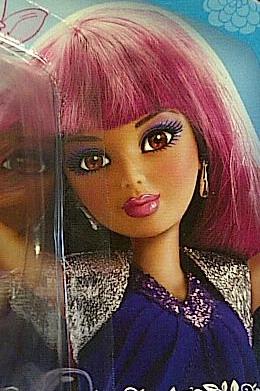 File:Daniela-pink n black wig card.jpg