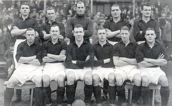 File:LiverpoolSquad1935-1936.jpg