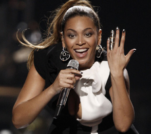 File:SnatchGame KenyaMichaels Beyonce.jpg