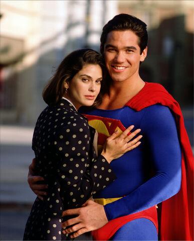 File:Lois and Superman 5.jpg