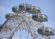 London.eye.manycapsules.arp.750pix