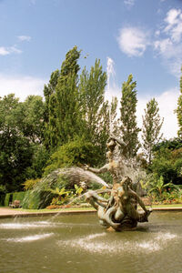 Fountain, RegentsPark, London, UK 640