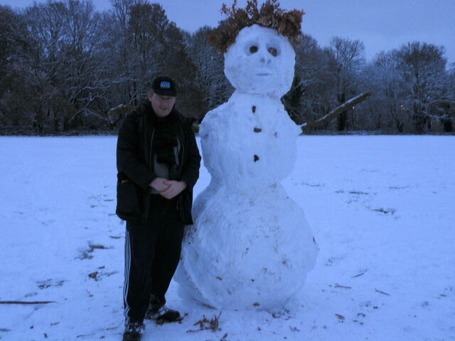 File:Snowman and me.jpg