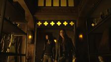 Bo and Kenzi enter Light Fae trophy room (113)