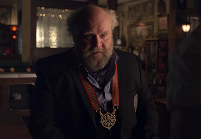 File:Elder Buzz Porter (Acting Ash) (201).png