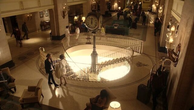 File:Tamsin and Kenzi in Valhalla (501).jpg