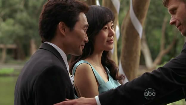 File:Jacob-touches-Sun-Jin.jpg