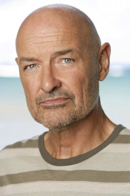 Archivo:Season 3 JohnLocke Promotional.jpg