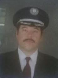 File:4x02 Pilot's Sexy Moustache.jpg