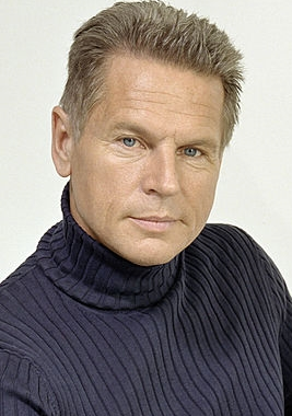 File:Lawrencepeck.png