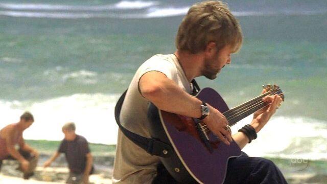 Ficheiro:Guitar.jpg
