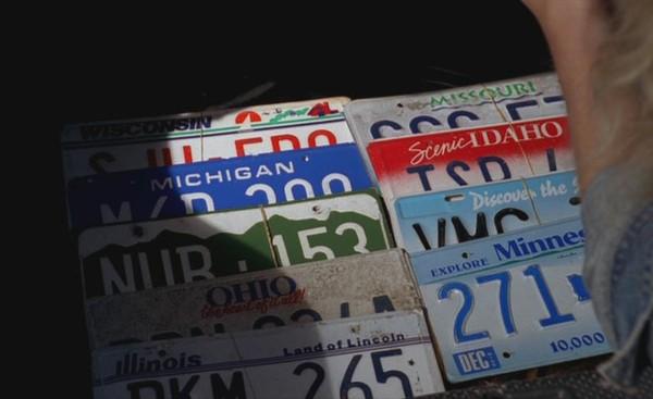 Ficheiro:Licenseplates.JPG