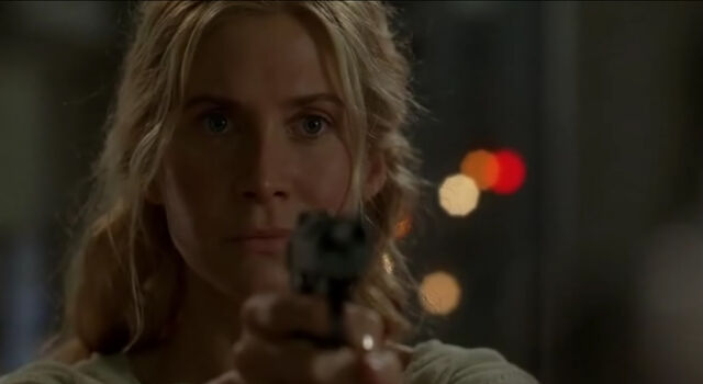 File:4x06-JulietWithGun2.jpg