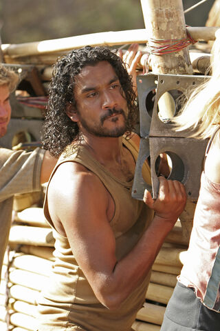 File:Sayid Raft 1x23-1-.jpg