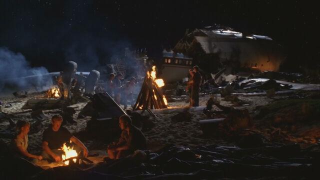 File:1x01-Camp motif.jpg