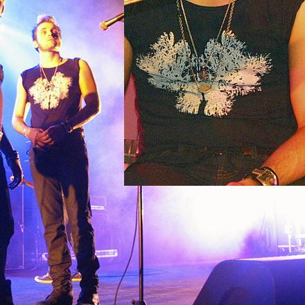 Ficheiro:1x07 Liam tshirt.jpg