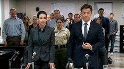 4x04-kate-with-lawyer-trial.jpg