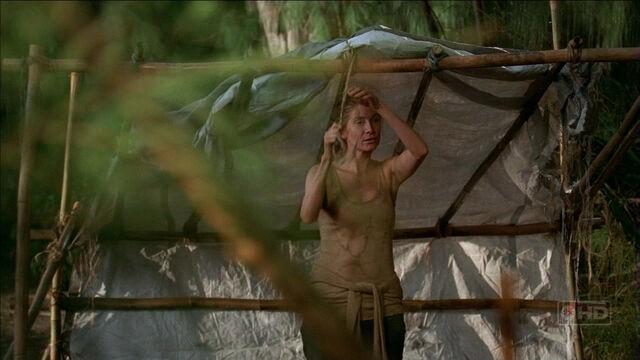 Archivo:3x16 Juliet's tent.jpg