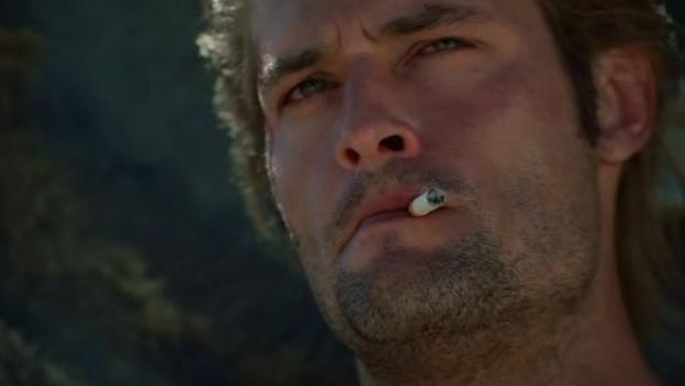 Archivo:1x01-SawyerSmoking.jpg