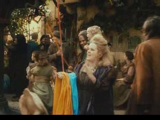 File:Dwarf Woman Trader.jpg