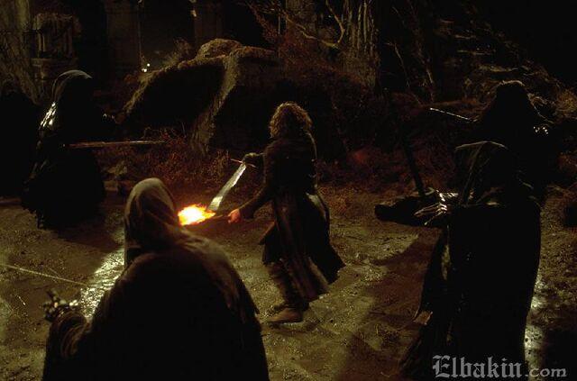File:Aragorn vs Nazgul.jpg