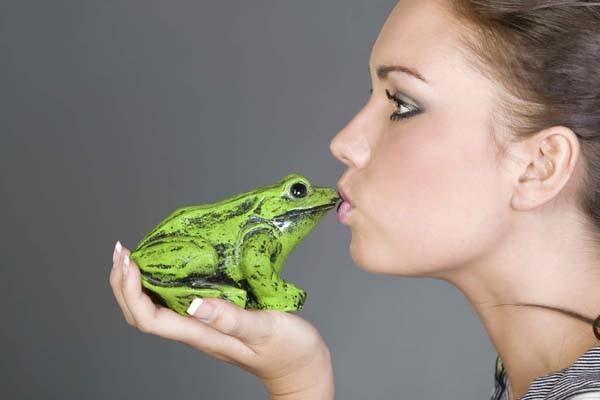 File:Kissingafrog.jpg