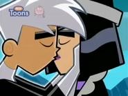 Danny & Sam Romantic Kiss S3E13