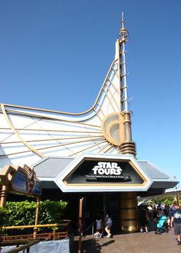 Star Tours Entrance DLR
