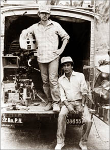 File:Steven Spielberg with Chandran Rutnam in Sri Lanka.jpg