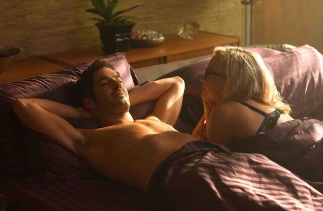 File:104 Lucifer Linda laying together 2.jpg