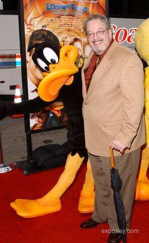 File:Joe-alaskey-looney-tunes-back-in-action-hollywood-premiere-arrivals-11AnUe.jpg