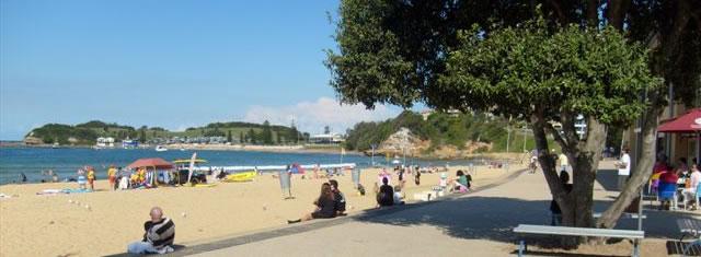 File:Miduna Beach.jpg