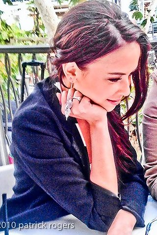 File:Malese-jow-mobile-wallpaper.jpg
