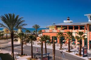 Miduna-beach-shopping-center