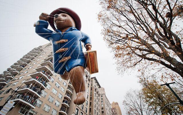 File:Thanksgiving-day-parade-paddington 650.jpg