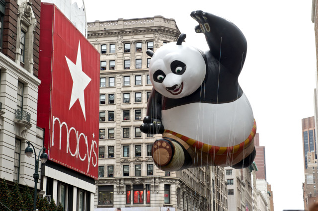 File:Kung fu panda in macys thanksgiving day parade-kent miller.jpg