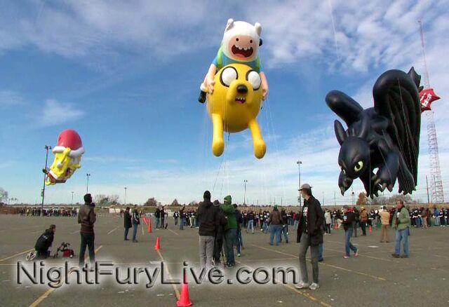 File:Toothless-macys-parade-balloon-3.jpg