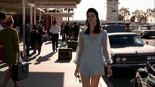 File:7x01 Megan outfit 1.png