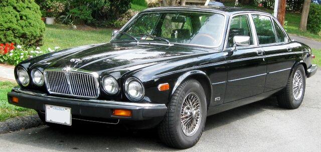 File:Jaguar XJ6 Series-III.jpg