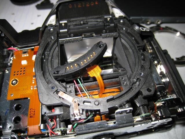 File:Lens mount 2.jpg