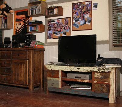 File:Zac's garage 2.jpg