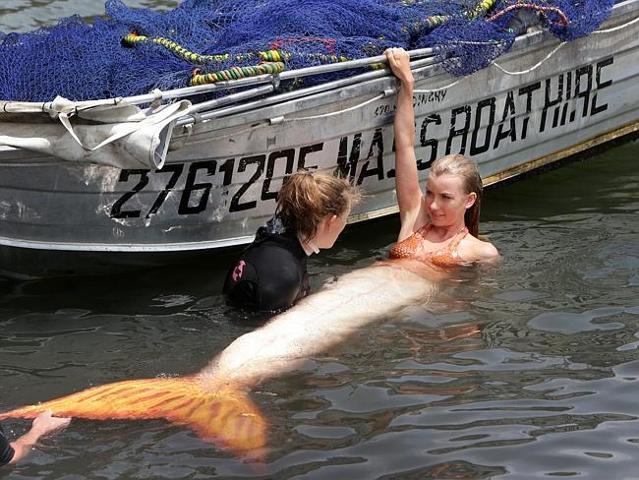 File:Mako Mermaids Set 11.jpg