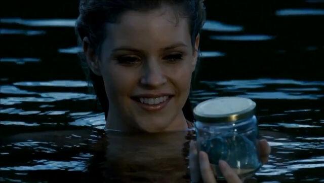 File:Aquata Gets Sirena's Shell.jpg