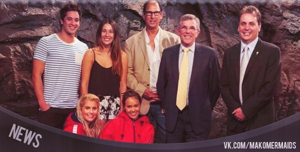 File:Cast at Mako Island.jpg