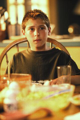 File:Malcolm In the Middle - Set Still - S01E01 (3).jpg