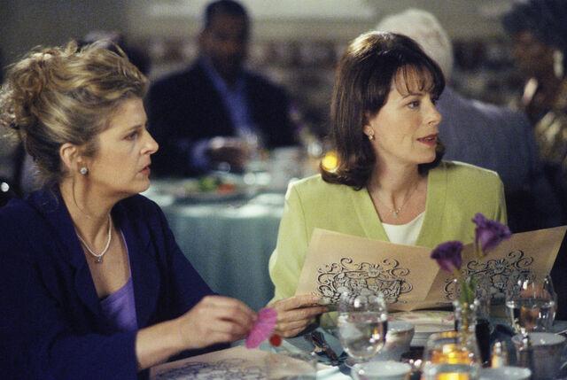 File:Malcolm In the Middle - Set Still - S02E06 (7).jpg