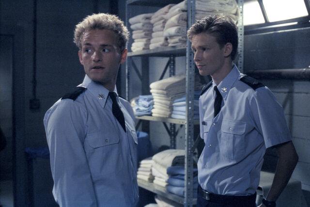 File:Malcolm In the Middle - Set Still - S02E08 (6).jpg